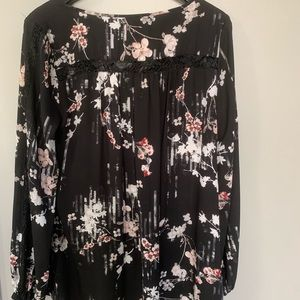 Long sleeve blouse with floral